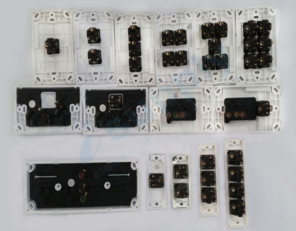 Dexton Triple Light Switch 3 Gang Weatherproof Box Lock Clear Lid 0